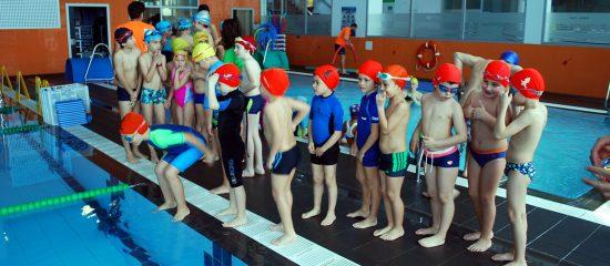 Niños en piscinas de Vigo