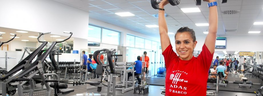 Atleta entrenando en gimnasio Vigo
