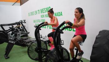 Los gimnasios en Vigo Máis que Auga invierten en nuevas máquinas deportivas